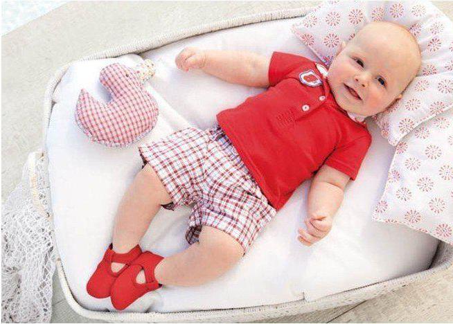 Как одевать новорожденного ребенка летом
