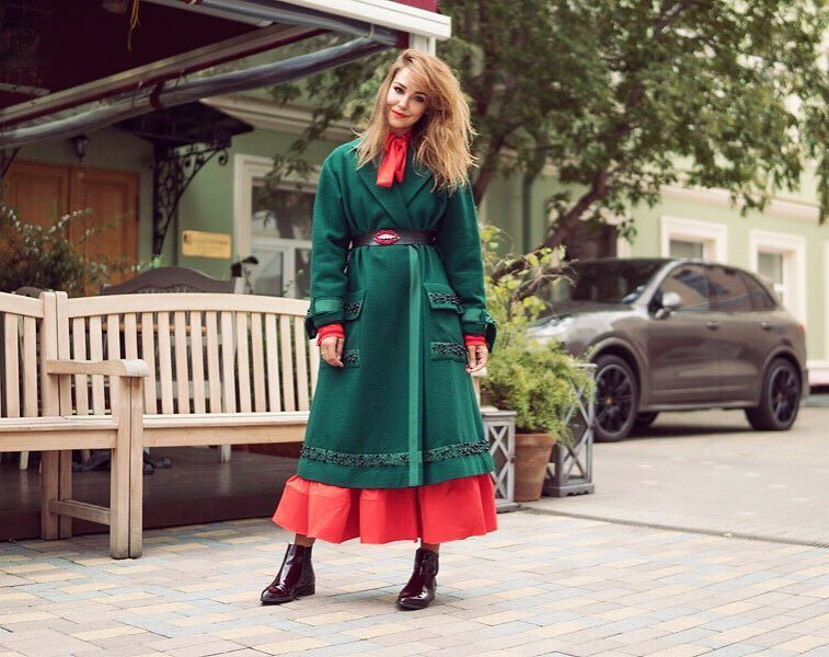 Как сочетать платья и юбки с верхней одеждой?