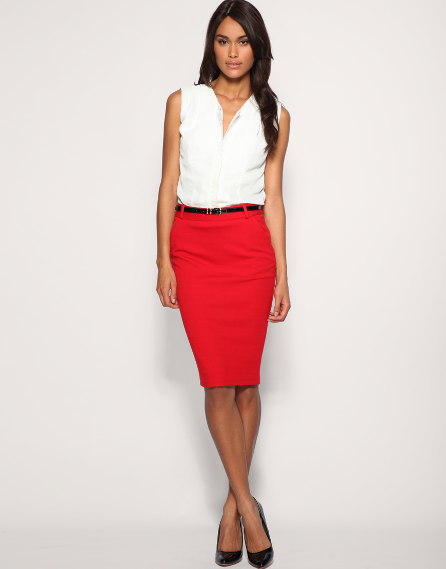 Красная юбка-карандаш