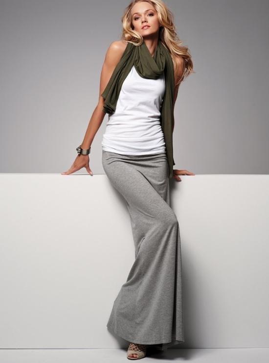 Серая длинная юбка с чем носить