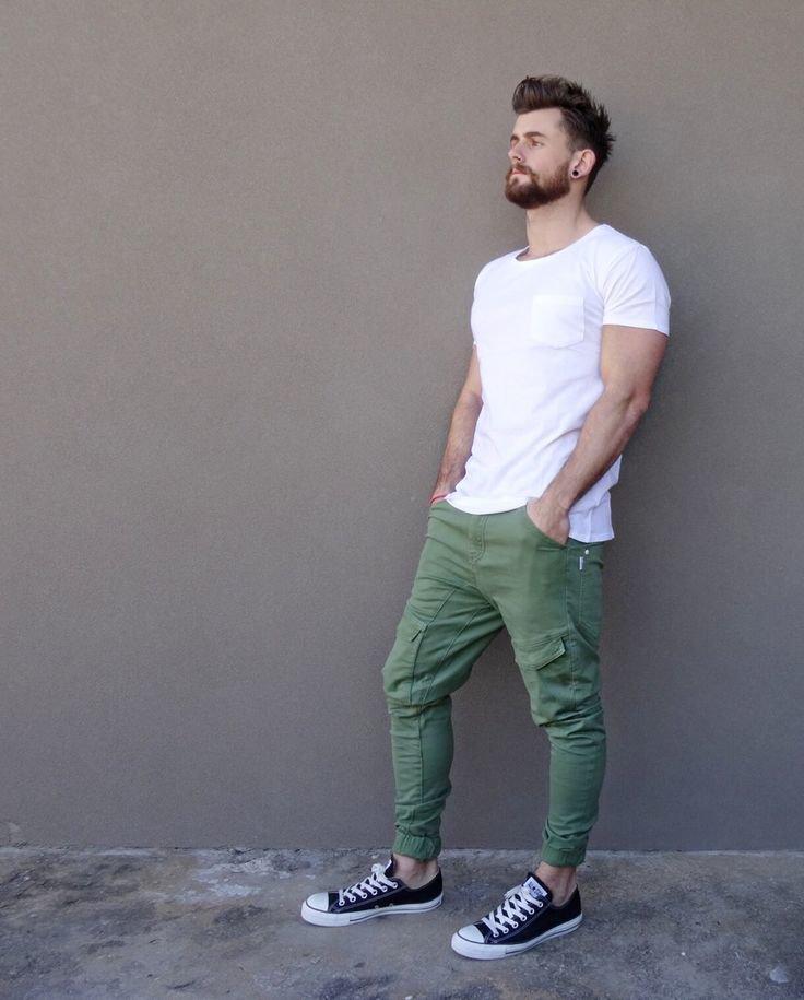 С чем носить мужские штаны джоггеры?
