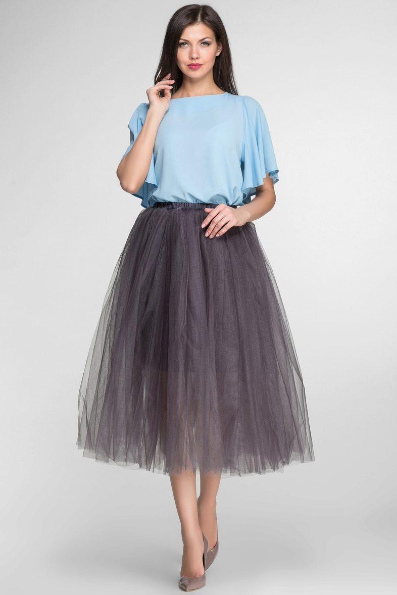 С чем носить серую юбку-пачку?