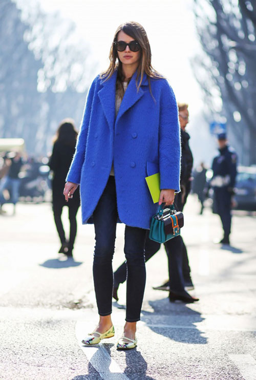 С чем носить синее пальто