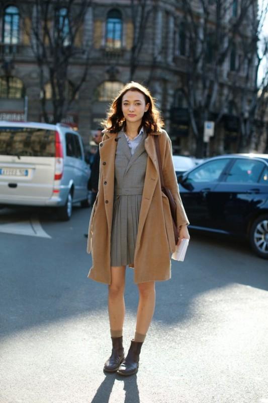 С чем сочетать бежевое пальто